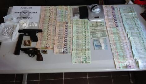 Otro golpe a la delincuencia de Maldonado con incautación de armas y distintas drogas