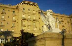 Libraron nuevo llamado a licitación para reacondicionar y explotar el Argentino Hotel por 30 años