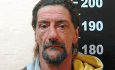 Robó solo una bolsa con limones pero su largo historial delictivo lo llevó a prisión