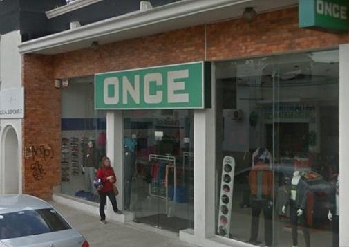 Robaron decenas de prendas tras destrozar vidrieras en tienda de san carlos maldonado noticias - Almacenes san carlos ...