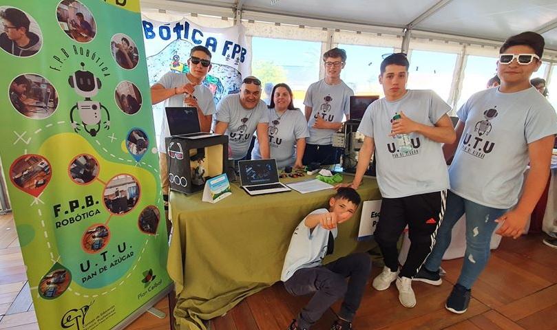 Estudiantes de UTU Pan de Azúcar premiados en 6ª Olimpíada de Robótica - maldonadonoticias.com