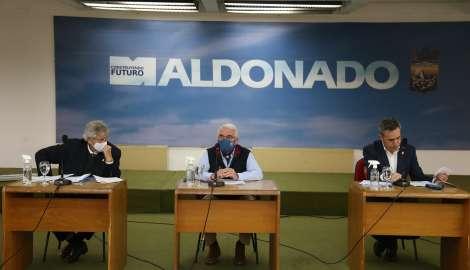 Bentancur envía a la Junta Departamental batería de medidas para reactivación de la economía