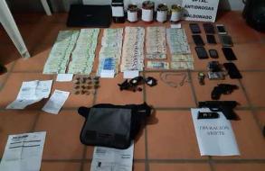 Armas y drogas incautadas en operativo antidrogas que culminó con 2 condenados a prisión