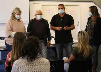 Personal que trabaja en refugios del Mides participó en talleres de capacitación