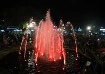 En el Día de Maldonado la fuente de la plaza San Fernando volvió a cobrar vida
