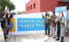 Inauguraron mural con el alfabeto de lengua de señas en Centro Diurno del barrio Odizzio