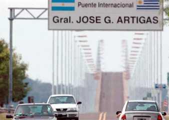 """Argentina mantiene sus fronteras terrestres cerradas con Uruguay por """"cuestiones sanitarias"""""""