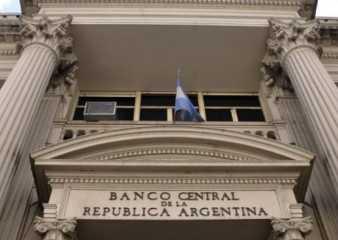 Bancos uruguayos están recibiendo más consultas de argentinos por apertura de cuentas